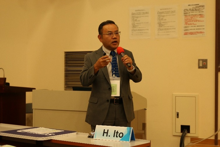Professor Hiroshi Lto, deputy dean of the Faculty of Engineering of Yamagata University, delivered a speech.